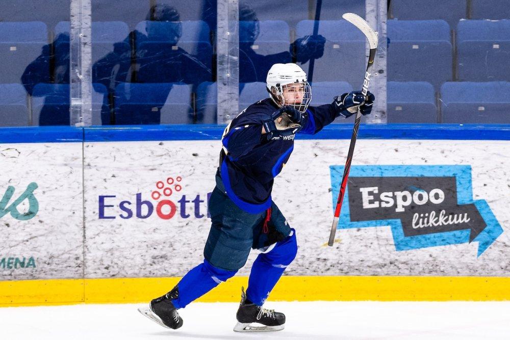 U18 SM: HPK:lta huima nousu voittoon, Pelicansille kauden avauspisteet – K-Espoon Oskari Salonen iski hattutempun