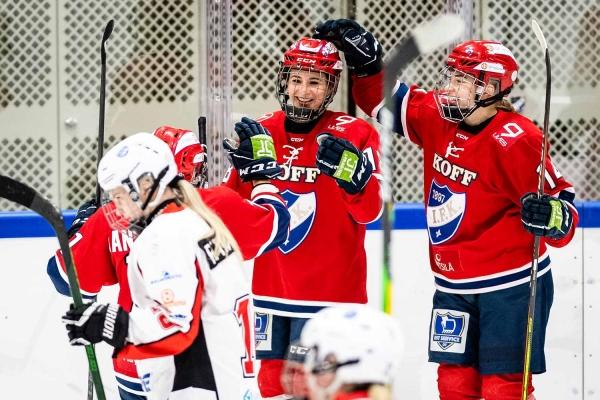 Naisten Liigan viikonlopun tulokset – Kolme joukkuetta yhä ilman pistemenetyksiä