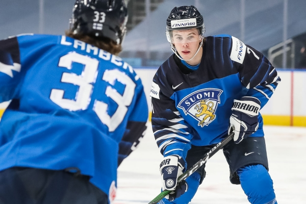 Topi Niemelä valittiin MM-kisojen parhaaksi puolustajaksi – Tässä direktoraatin valinnat