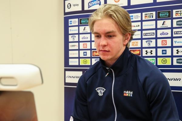 """Pikkuleijonien puolustaja Topias Vilén ennen MM-kisoja: """"Kultaa lähdetään hakemaan"""""""