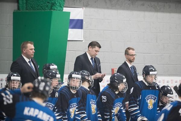 """U18-joukkueen päävalmentaja Petri Karjalainen: """"Uskallus pelata pelin jokaisella osa-alueella oli tärkein oppi edellisestä Venäjä-pelistä"""""""