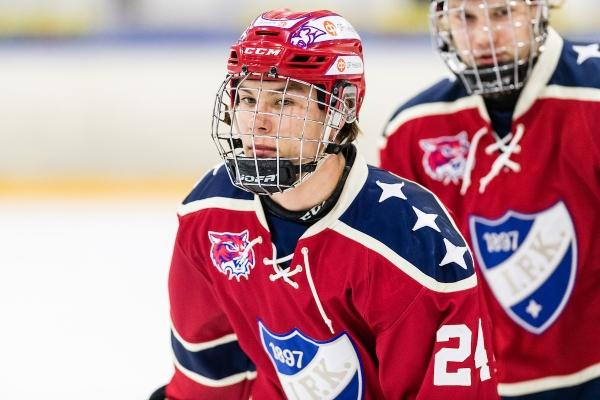 U20 SM: Ässät jatkaa puhtaalla pelillä – HIFK-hyökkääjän neljän maalin ilta ei tuonut joukkueelle voittoa
