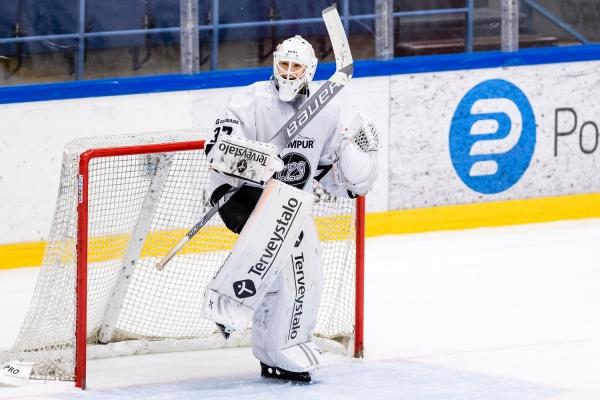 Maalikooste ja galleria: K-Espoo ei pysynyt TPS:n kyydissä U20 SM-sarjan keskiviikon ainoassa ottelussa