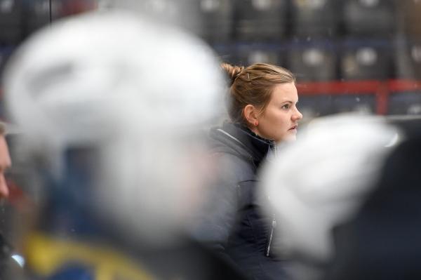 Terhi Mertanen aloittaa TPS:n penkin takana ensimmäisen kautensa päävalmentajana Naisten Liigassa